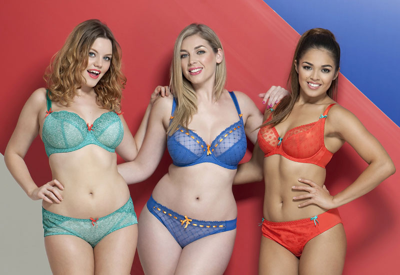 "51317 1 - Curvy Kate hosts ""Star in a Bra"" window competition"