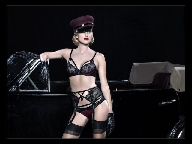 media2.whosaystatic.com 691547 691547 640x640wc 640x480 - A great video of AW14 Dita von Teese
